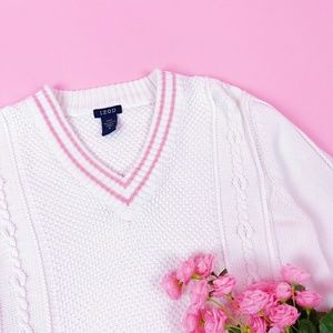 Vintage Izod White & Pink Chunky Sweater